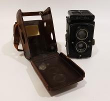 Macchina Fotografica Rolleiflex Franke & Heidecke con custodia